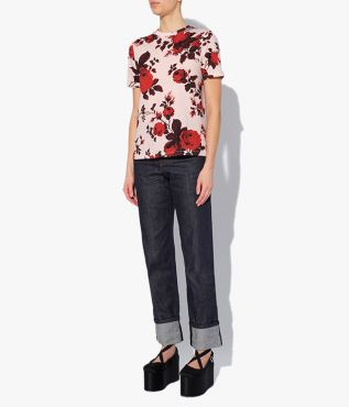 Hettie T-Shirt in the Fonteyn Rose print – a painterly floral in pale pink and red.