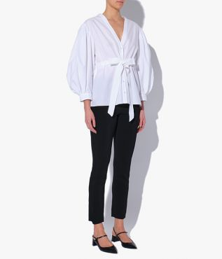 The Robe Shirt in crisp, white cotton poplin will prove an endlessly versatile addition to your wardrobe.
