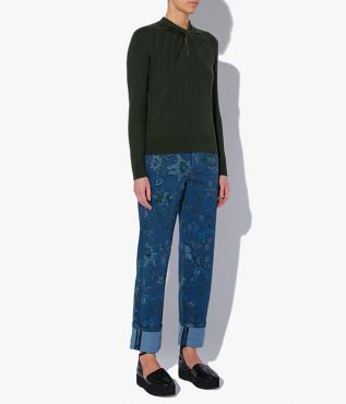 Rae Jumper crafted from a lightweight blend of cotton and cashmere in dark green.