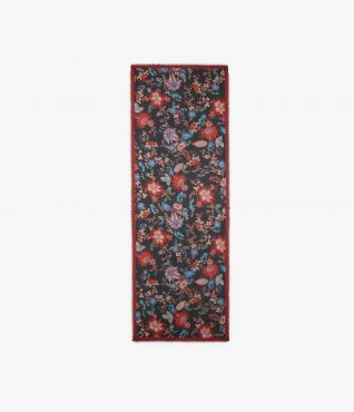 Incorporate Erdem's Hogarth Vine floral into your wardrobe with this rectangular scarf.