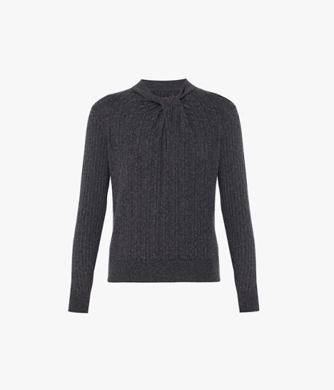 The Rae jumper is crafted from a blend of merino wool and cashmere using a textural cable knit technique.