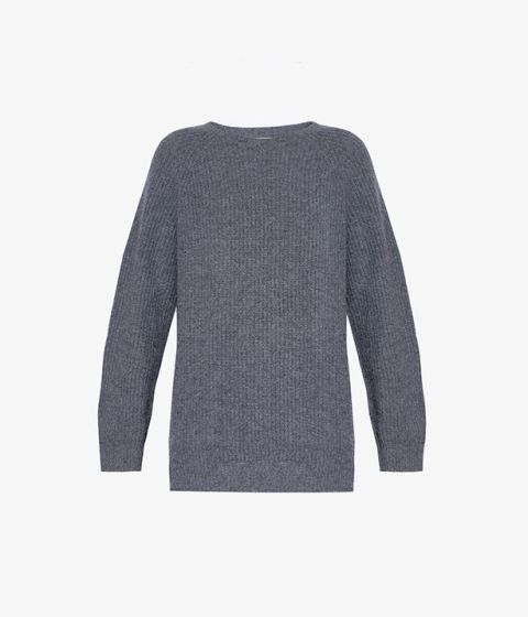 A grey sweater is a wardrobe classic – knitted from Scottish cashmere, the Vincent design is a luxurious choice.