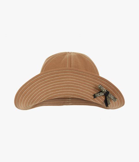 Accent your out-and-about looks with this camel bucket hat from Erdem.