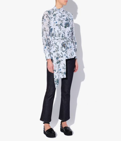 Willia Top in a pale blue colour, cut from crepe printed in the Hogarth Vine floral print.